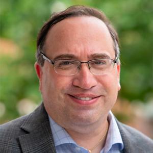 Victor Ricciardi – Visiting Assistant Professor of Finance at Washington and Lee University